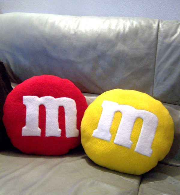 coppia cuscino m&m's