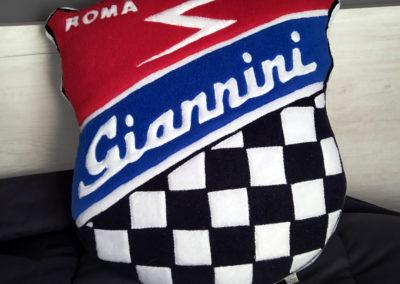 cuscino personalizzato logo giannini